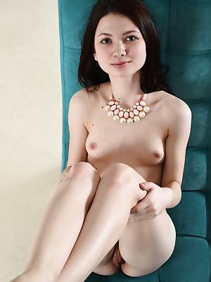 Showy Beauty  Lusia  Pussy, Beautiful, Older